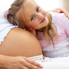 Pro stanovení výše mateřské (resp. kolik bude peněžitá pomoc v mateřství) se vychází z příjmů z posledního zaměstnání