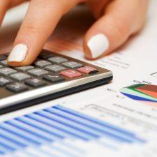 V naší kalkulačce pro výpočet podpory, si pak můžete sami spočítat, na kolik peněz máte nárok, pokud jste bez práce.