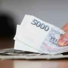 Tyto půjčky je možné vyřídit i bez potvrzení o příjmu. O peníze si zde může požádat každý.