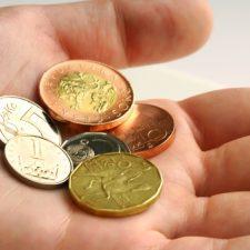 Je zde nabízena půjčka 5000 Kč, před výplatou všem, kdo potřebují peníze.