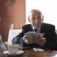 Potřebujete půjčit peníze a zatím vás všude odmítli? Pak je zde lichvářská půjčka na směnku. Tato soukromá půjčka umožňuje získání finančních prostředků i lidem bez příjmu, se záznamem v registru nebo i s exekucí. Půjčku je možné dostat v hotovosti na ruku, klidně ještě dnes.